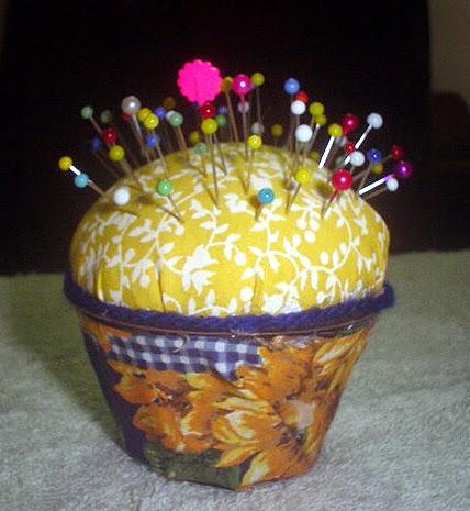 Alfineteiro Cup-Cake