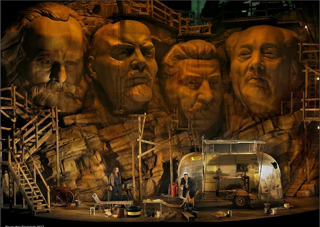 Stefan Vinke (Siegfried), Andreas Conrad (Mime) - Wagner: Siegfried - Bayreuth Festival (©Bayreuther Festspiele / Enrico Nawrath)