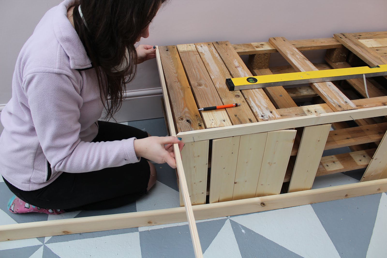 building a bespoke pallet bench