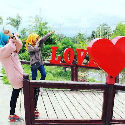 Spot Jembatan Cinta