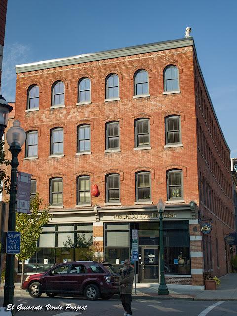 Edificio Misener - Syracuse, NY por El Guisante Verde Project