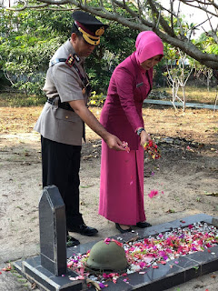 Peringatan Hut Bhyangkara ke 72 Polres OI Tabur bunga
