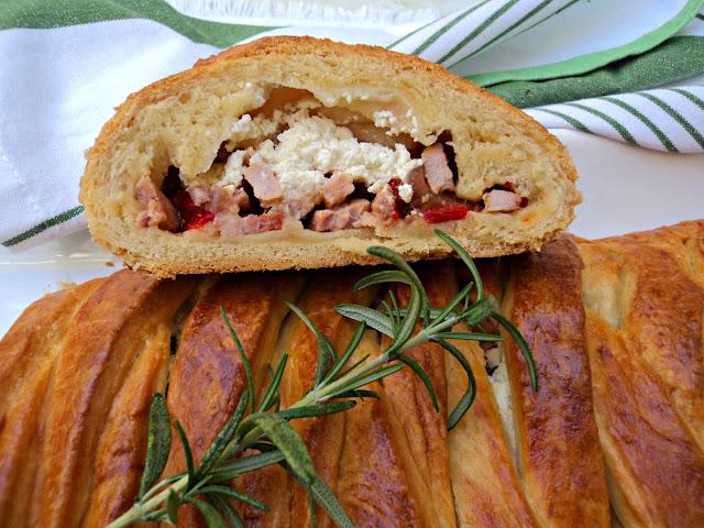 empanada-lomo-adobado-corte