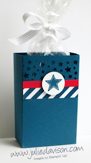 http://juliedavison.blogspot.com/2016/06/4th-of-july-patriotic-party-favor-box.html