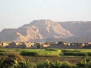 قري غرب النيل بقنا .تعاني من الأهمال.