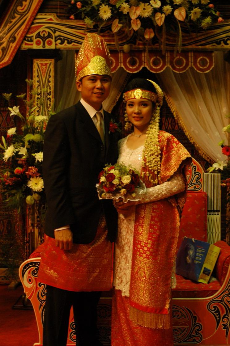 busana pengantin batak 4
