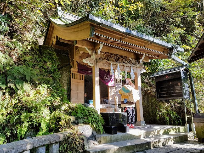 神社內一景