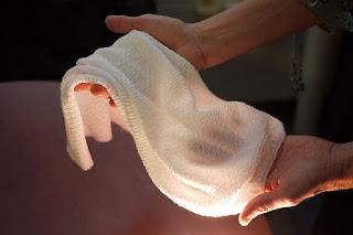 Vải thông minh tự giữ ấm, làm mát tùy người mặc