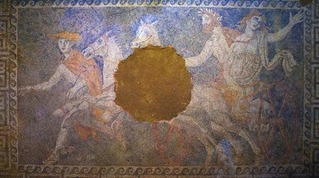 Discovery: Στην Αμφίπολη το καλύτερο πορτραίτο του Μεγάλου Αλεξάνδρου που έχει βρεθεί μέχρι σήμερα; - Διάσημος Βρετανός συγγραφέας υποστηρίζει: «Ο Ερμής είναι ο Αλέξανδρος»