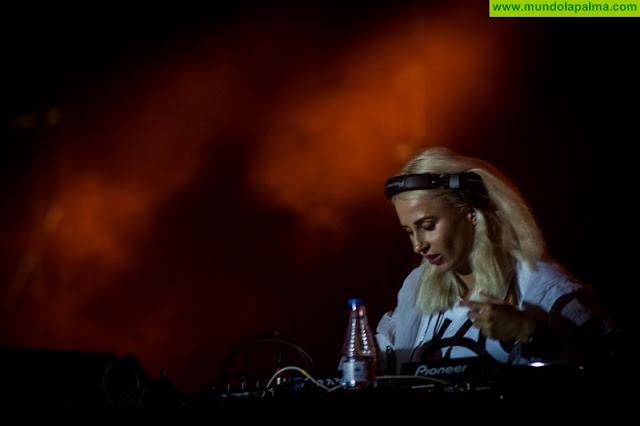 El trepidante dance de Inna y las mezclas electrónicas de Juicy-M cierran el Isla Bonita Love Festival