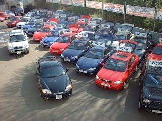 El Negocio de venta de carros usados en caída.