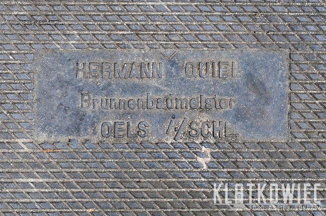 Oleśnica: przedwojenny właz kanałowy Herman Quiel