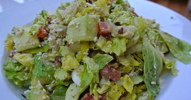 street food cuisine du monde recette de salade toscane laitue poulet oeufs durs carotte. Black Bedroom Furniture Sets. Home Design Ideas