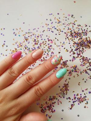 wakacyjne paznokcie | lakiery hybrydowe | hybrydy | manicure | pomysły na paznokcie