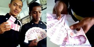 pramusaji-stasiun-temukan-uang