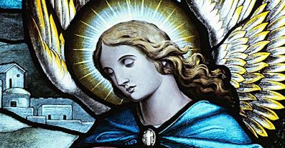 desen cu chipul unui înger - imagine preluată de pe site-ul biblestudytools.com