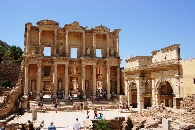 Efes Antik Kenti Giriş ücreti Ziyaret Saatleri Gidelim Görelim
