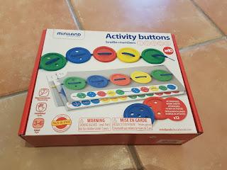 https://www.materialescolar.es/motricidad/juego-didactico-a-partir-de-3-anos-botones-ensartables-miniland-68499.html