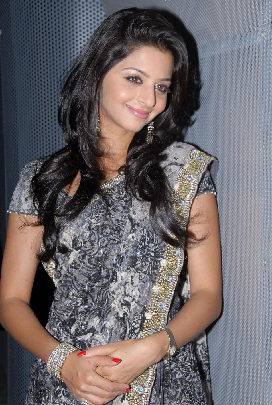 Malayalam Beauty Vedhika Hot Hip Navel Show Photos In Transparent Black Saree