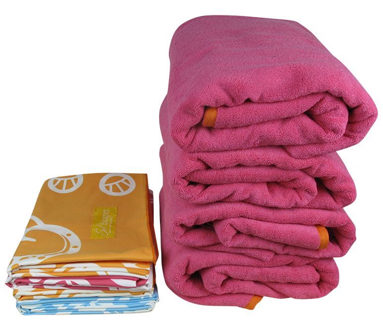 4 Travel Beach Towels vs. 4 Typical Beach Towels