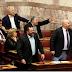 Αποβλήθηκε η Χρυσή Αυγή από την συζήτηση στη Βουλή για την πρόταση μομφής