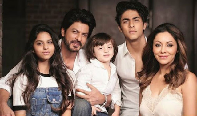 Suhana Khan with Family