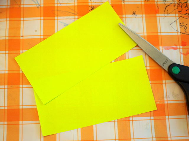 origami paper to make paper lantern for Chinese New Year