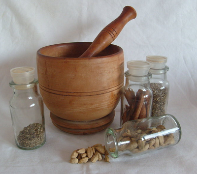 Pestle, mortar and spices