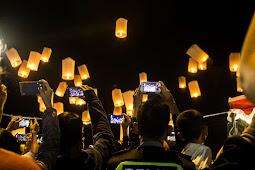 Menikmati Wisata Pelepasan 1000 Lampion Dalam Perayaan Waisak di Candi Borobudur.