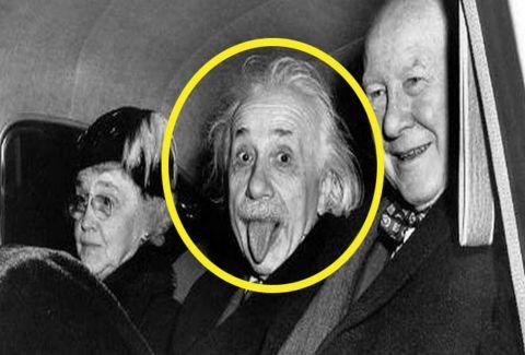Γιατί ο Αϊνστάιν έβγαζε την γλώσσα στις φωτογραφίες; Ο λόγος θα σας αφήσει με το στόμα ανοιχτό (PHOTOS)