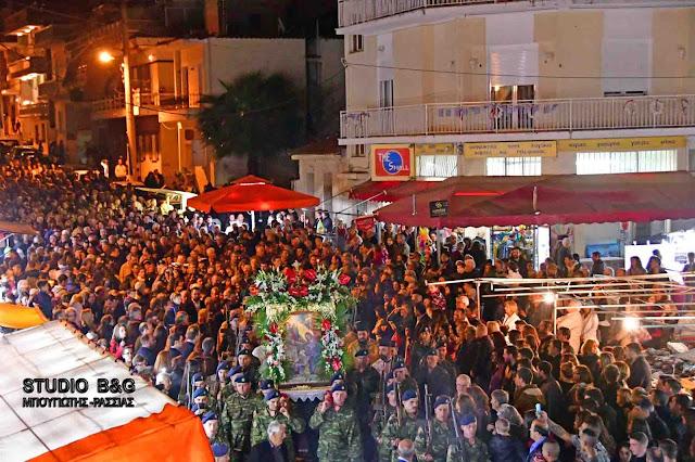 Χιλιάδες κόσμου στο Ναύπλιο για την εορτή του Ευαγγελισμού της Θεοτόκου (βίντεο)