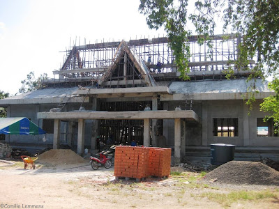 Wat Plai Laem new sermon hall in progress