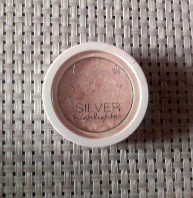 1972. Lovely Silver Highlighter rozświetlacz do twarzy w chłodnym odcieniu