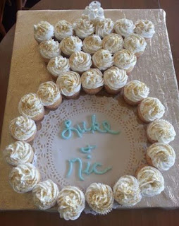gambar kue cupcake tunangan engagement bentuk cincin