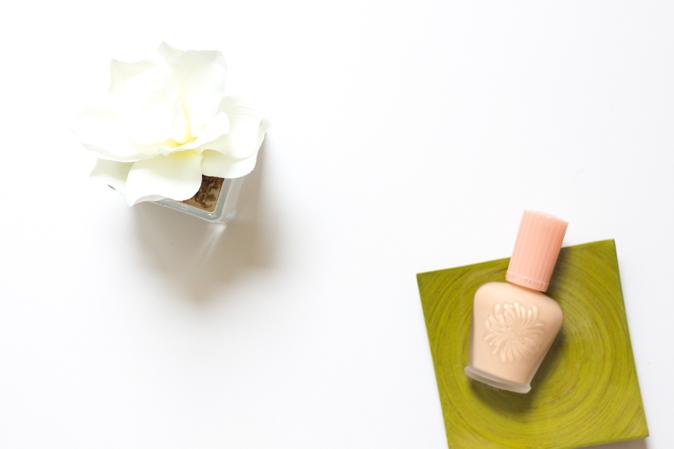 paul and joe moisturizing fluid foundation in 102 nude review