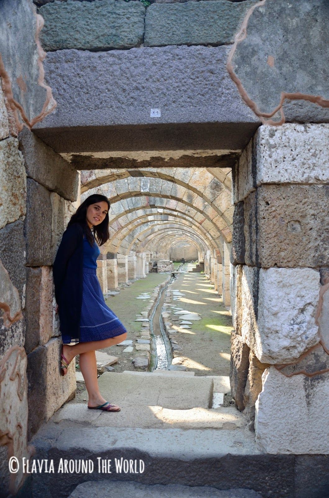 FlaviaAround the world en el ágora de Esmirna