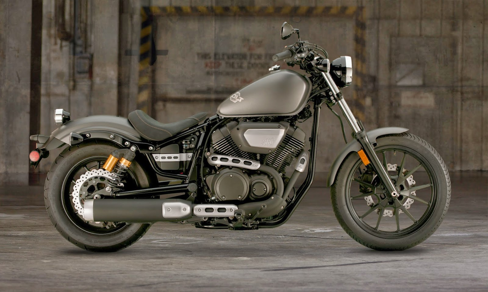 modern muscular and affordable the new 2014 yamaha bolt 950 pete 39 s cycle company inc. Black Bedroom Furniture Sets. Home Design Ideas