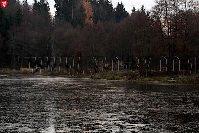 Река Ислочь. Водохранилище. Руины на другом берегу. Не исторические