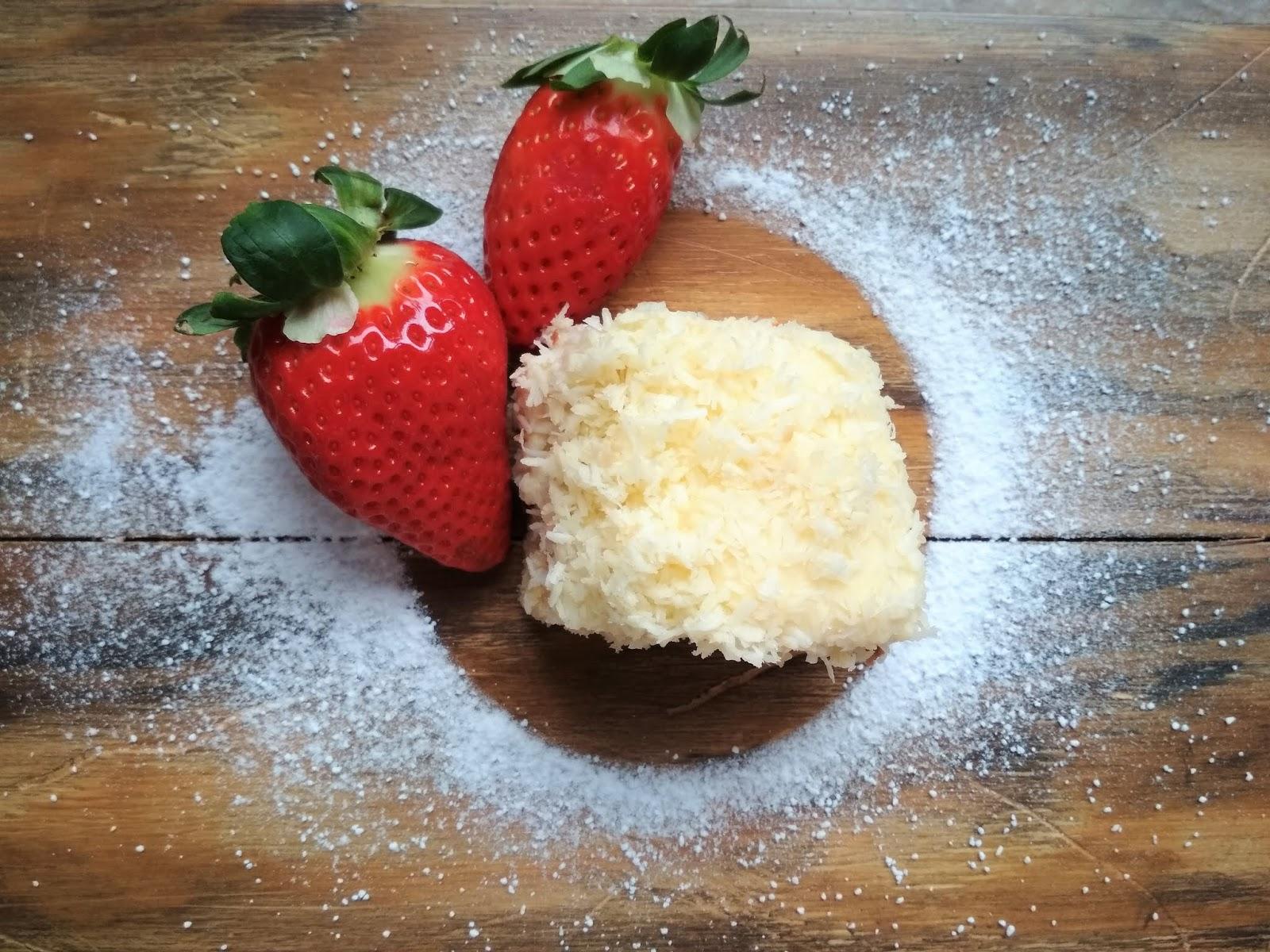 królowa wypieków, blog kulinarny blog lifestylowy, rafaello na jogurtowym spodzie