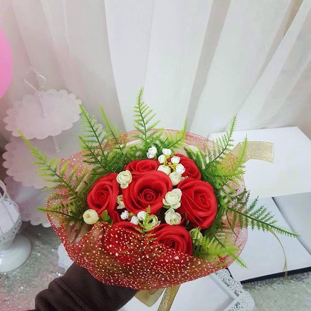 Hoa hong sap thom vinh cuu o Hang Buom