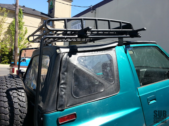 The complete roof rack setup on the Suzuki Sidekick.
