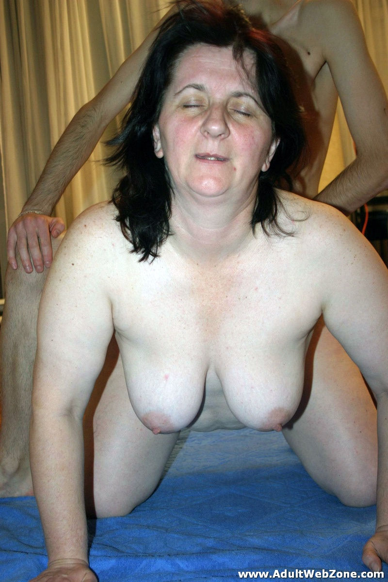 Amateur mature lady massage videos