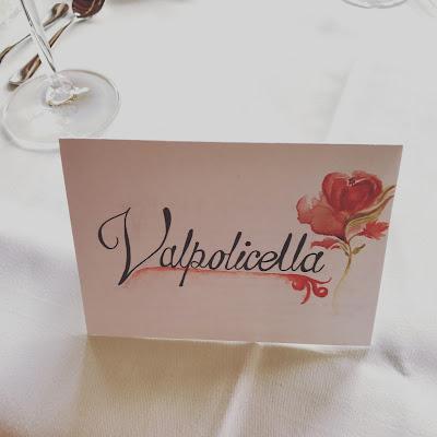 Tischkarten, Monaco di Bavaria wine shades and wood grains, Hochzeitsmotto, heiraten 2017 im Riessersee Hotel Garmisch-Partenkirchen, Bayern, wedding venue, dunkelrot, dunkelgrün, Weinthema