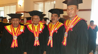 UPA Makassar Wisuda 300 Mahasiswa