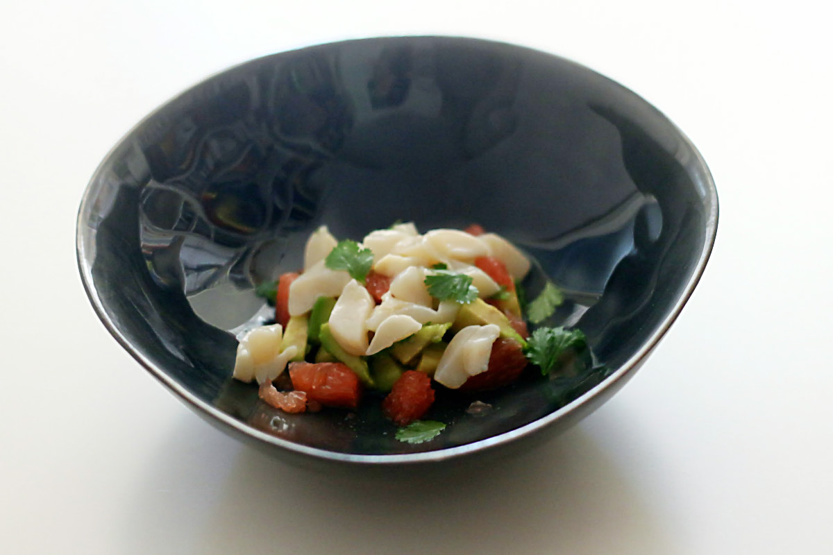 Jakobsmuschel-Ceviche mit Pink Grapefruit und Avocado im Weihnachtsmenü | Arthurs Tochter – Der Blog für Food, Wine, Travel & Love