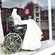 Bridal shop praised for wheelchair wedding dress store front