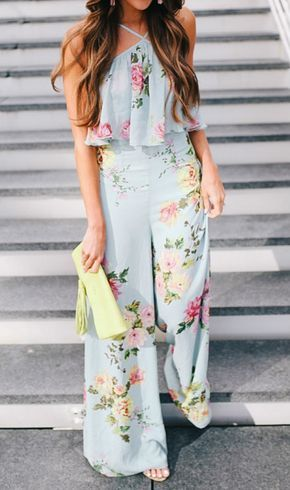 amazing outfit idea / white clutch + floral jumpsuit