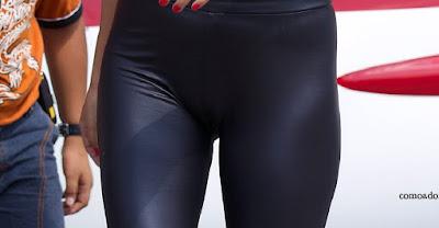 Linda chica pantalones cuero