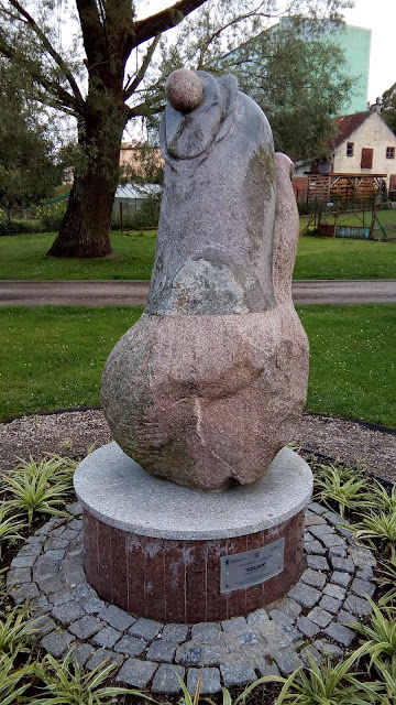 Mrągowo: Rada Miasta rozpatrzy wniosek w sprawie przekazania rzeźby dla Otolii Anny Siemieniec
