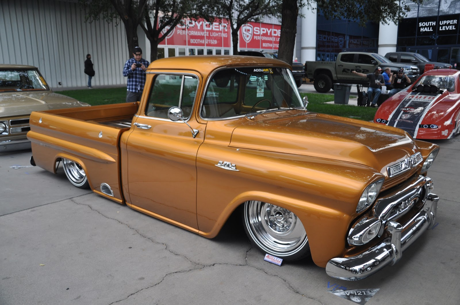 Lawrence Hall Chevrolet >> Just A Car Guy: plenty of perfect old Chevy trucks at SEMA ...